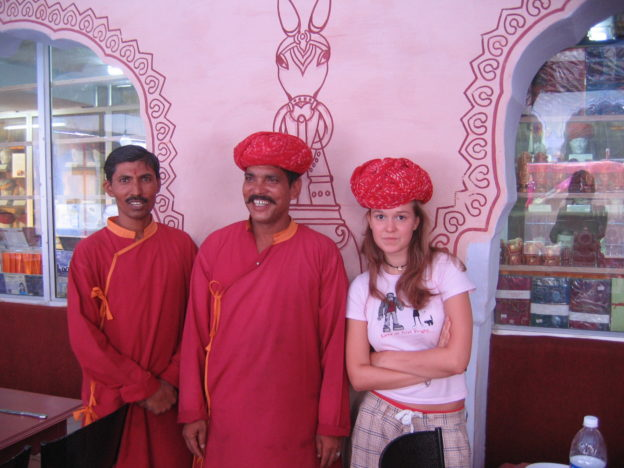 Rossella with a turban, and waiters