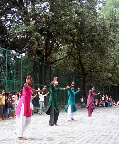 Woodstock students dancing bhangra
